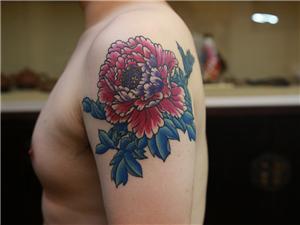 花纹身彩色手臂纹身