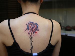 马纹身图案