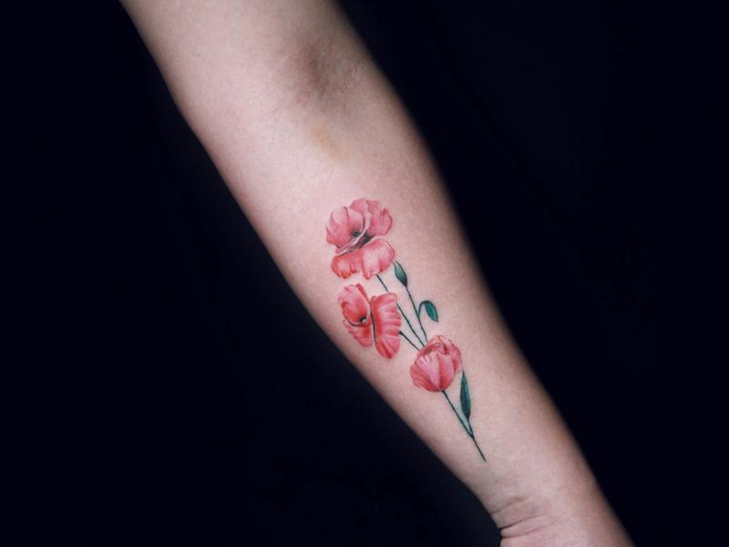 彩色花纹身图案