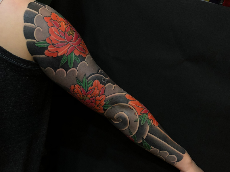 半胛彩色纹身图案